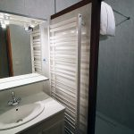 Salle de bain studio gite en Lozère